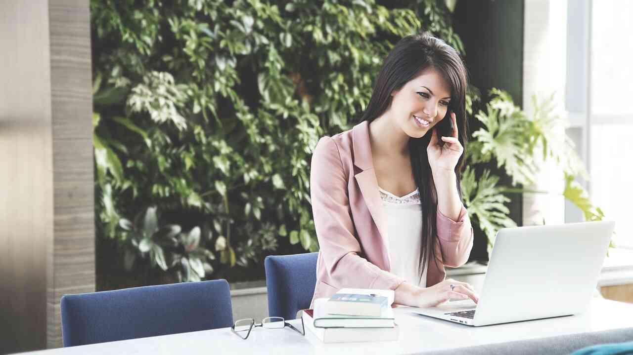 女性だって営業職!営業の種類や女性だからこそチェックすべき点