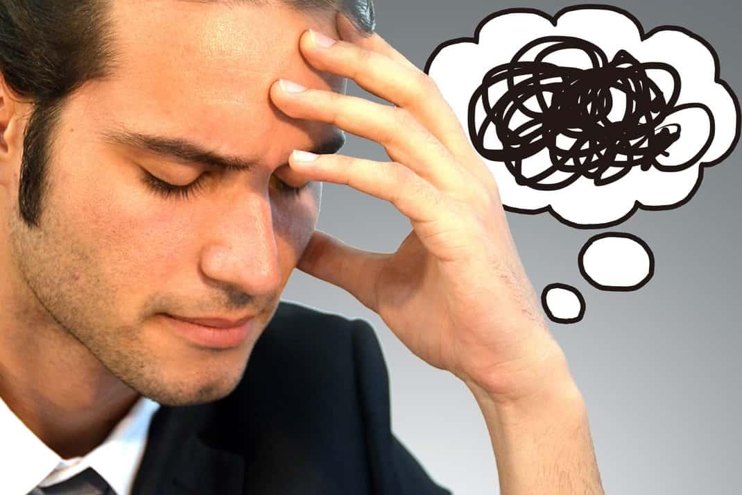 大学留年か中退どっちかで迷ったら!就職活動やその後の生活への影響を解説します