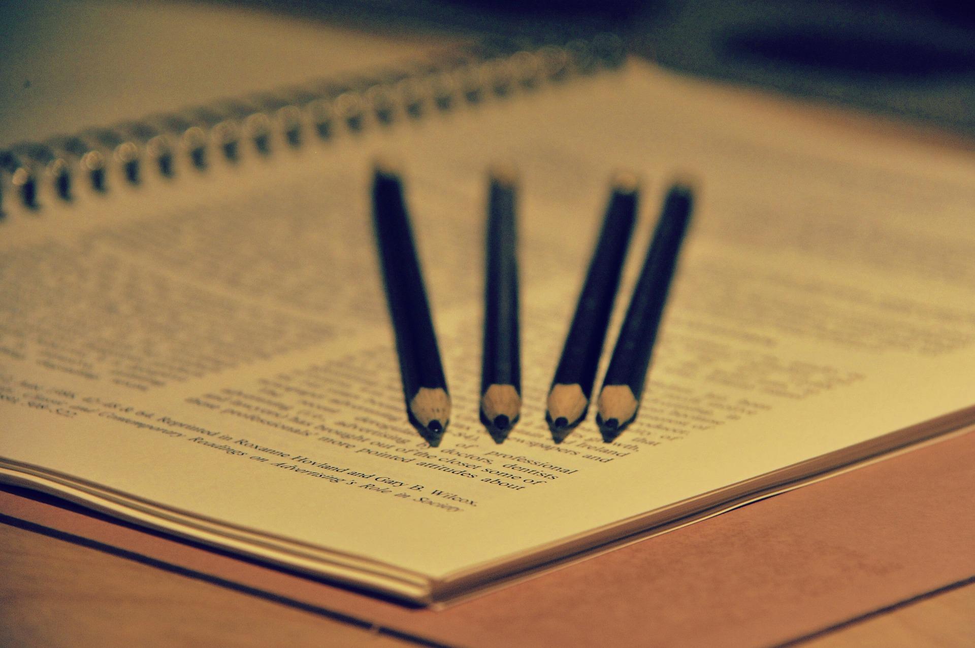 志望動機は書き出しで決まる!~企業が見ているポイントと就活で使える書き方を紹介~