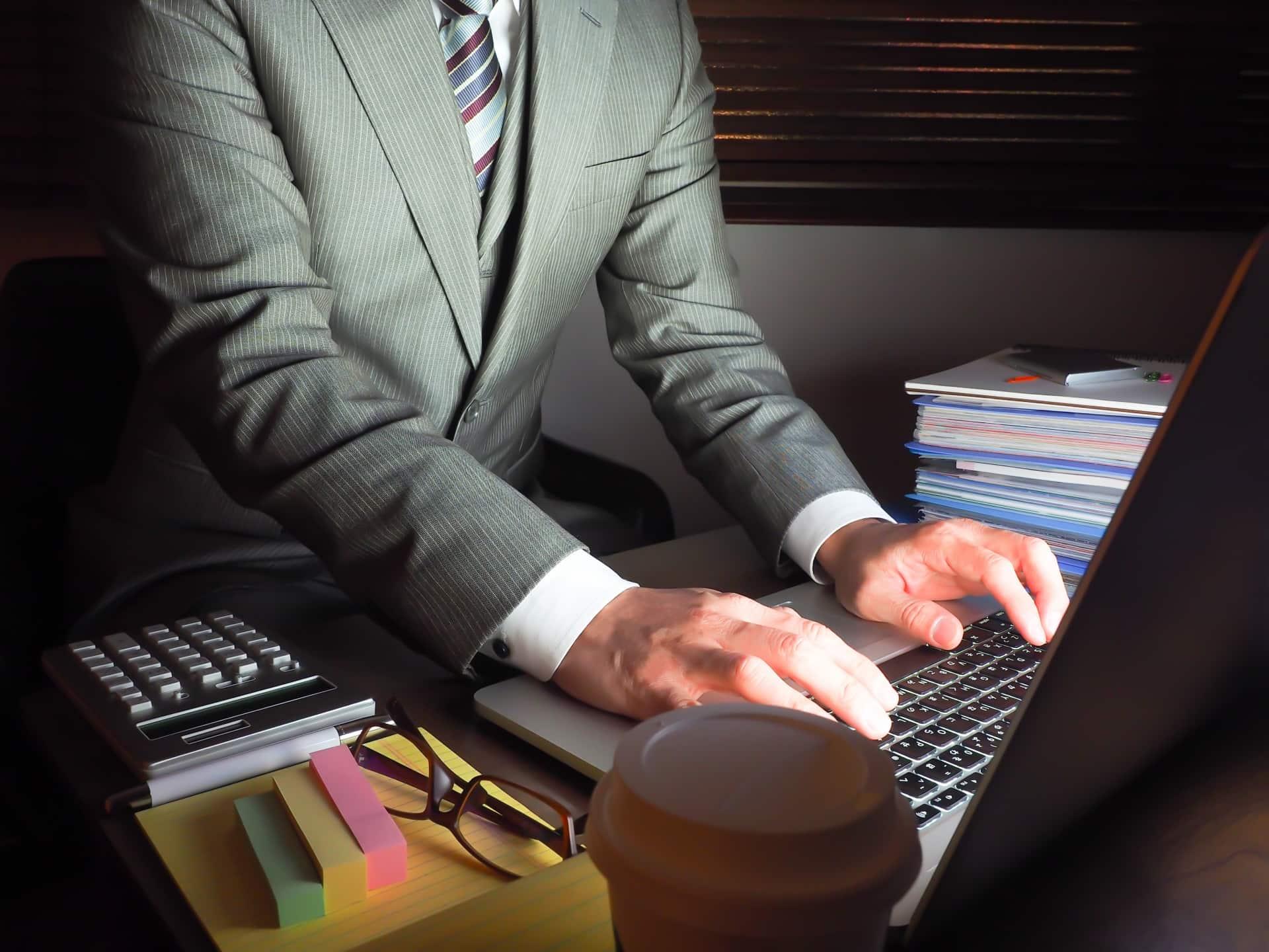 『残業がしたくない...』仕事や会社が合わないなら転職するべきか解説!