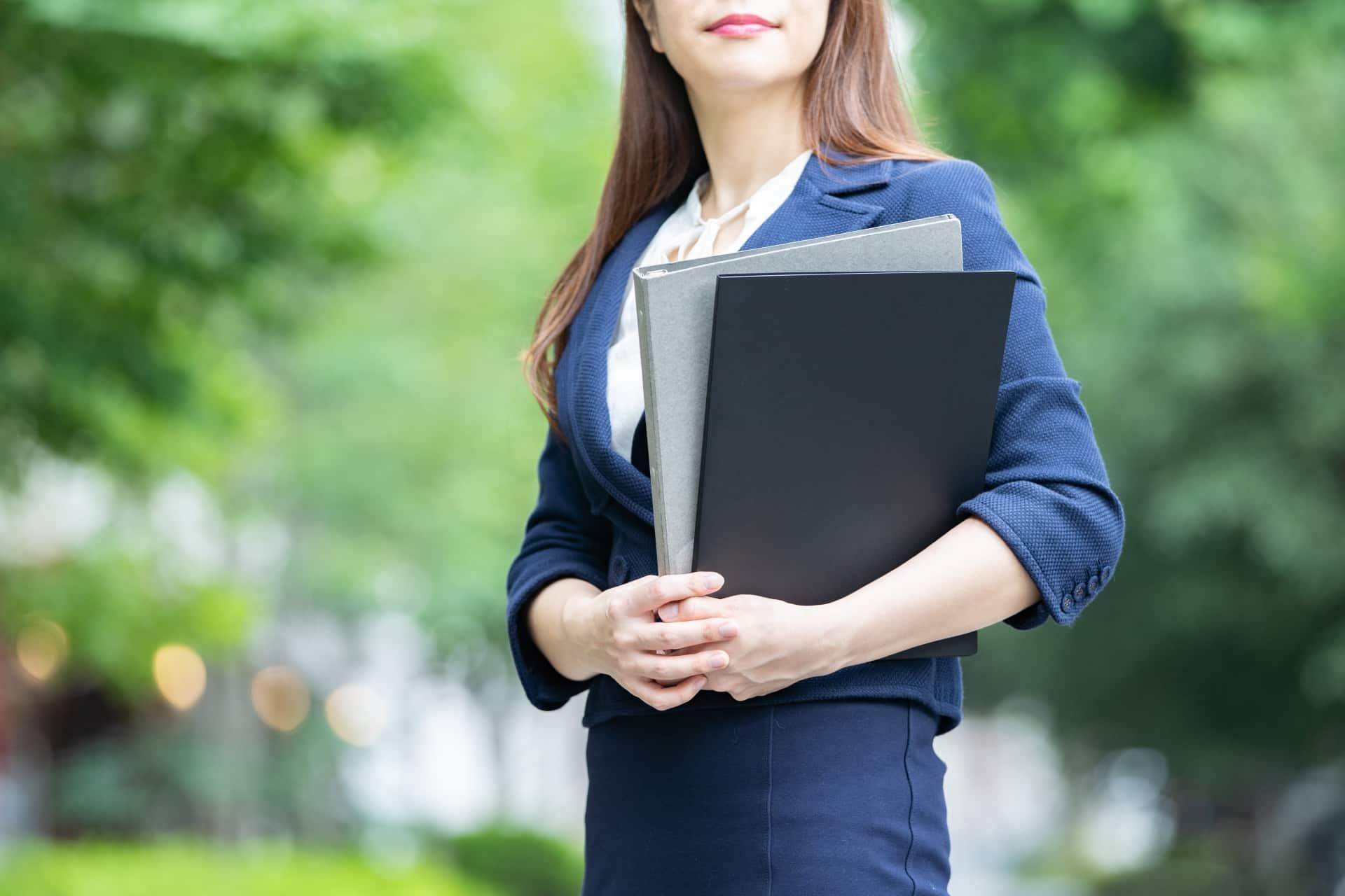 派遣社員が正社員に就職するためには?違いやメリット・デメリットも紹介!