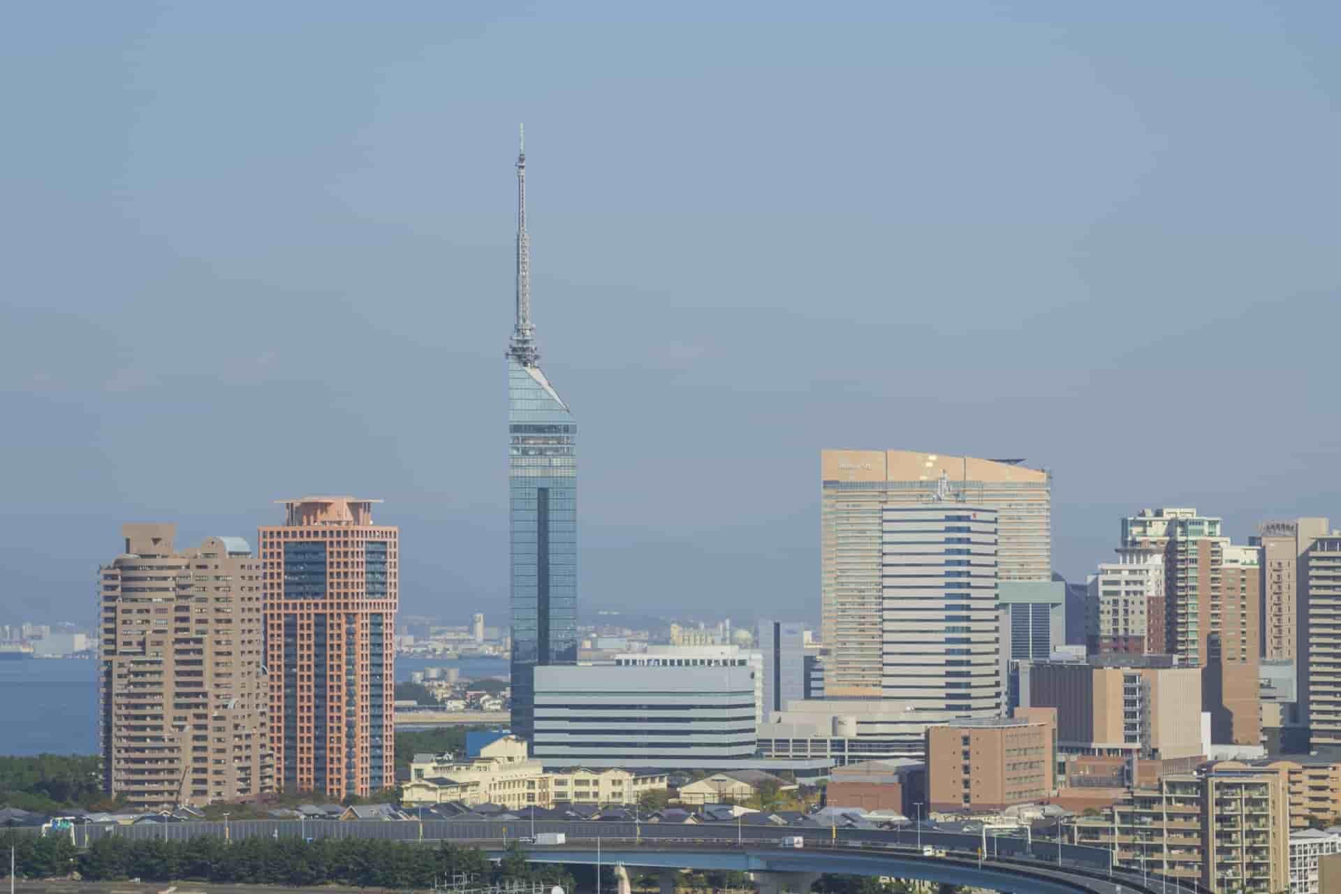 福岡で就職するメリットとデメリット!就職を成功させるコツも解説