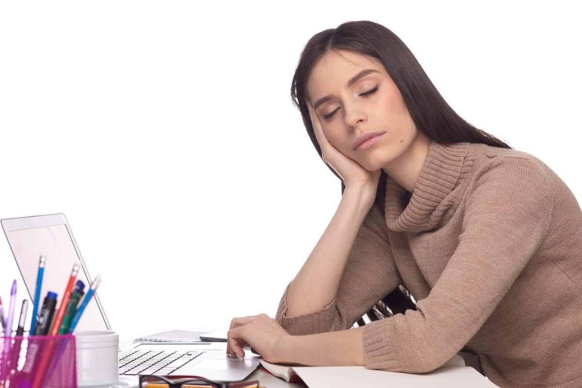 仕事が暇でツラい!有意義に時間を過ごす5つの方法とやってはいけないこと