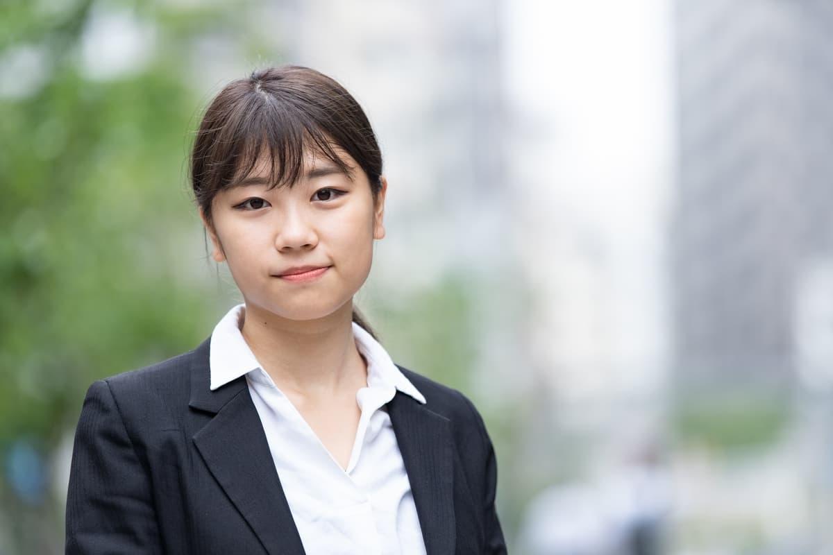 高卒の女子に人気の就職先と就活を成功させる2つのポイント